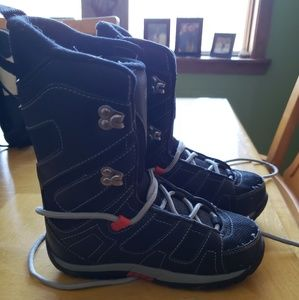 Other - Youth snowboard boots